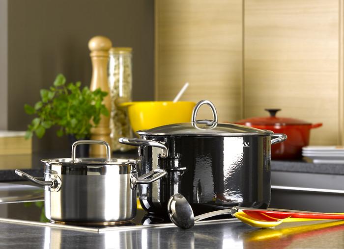 kochen essen wohnen lecker kochen und braten. Black Bedroom Furniture Sets. Home Design Ideas