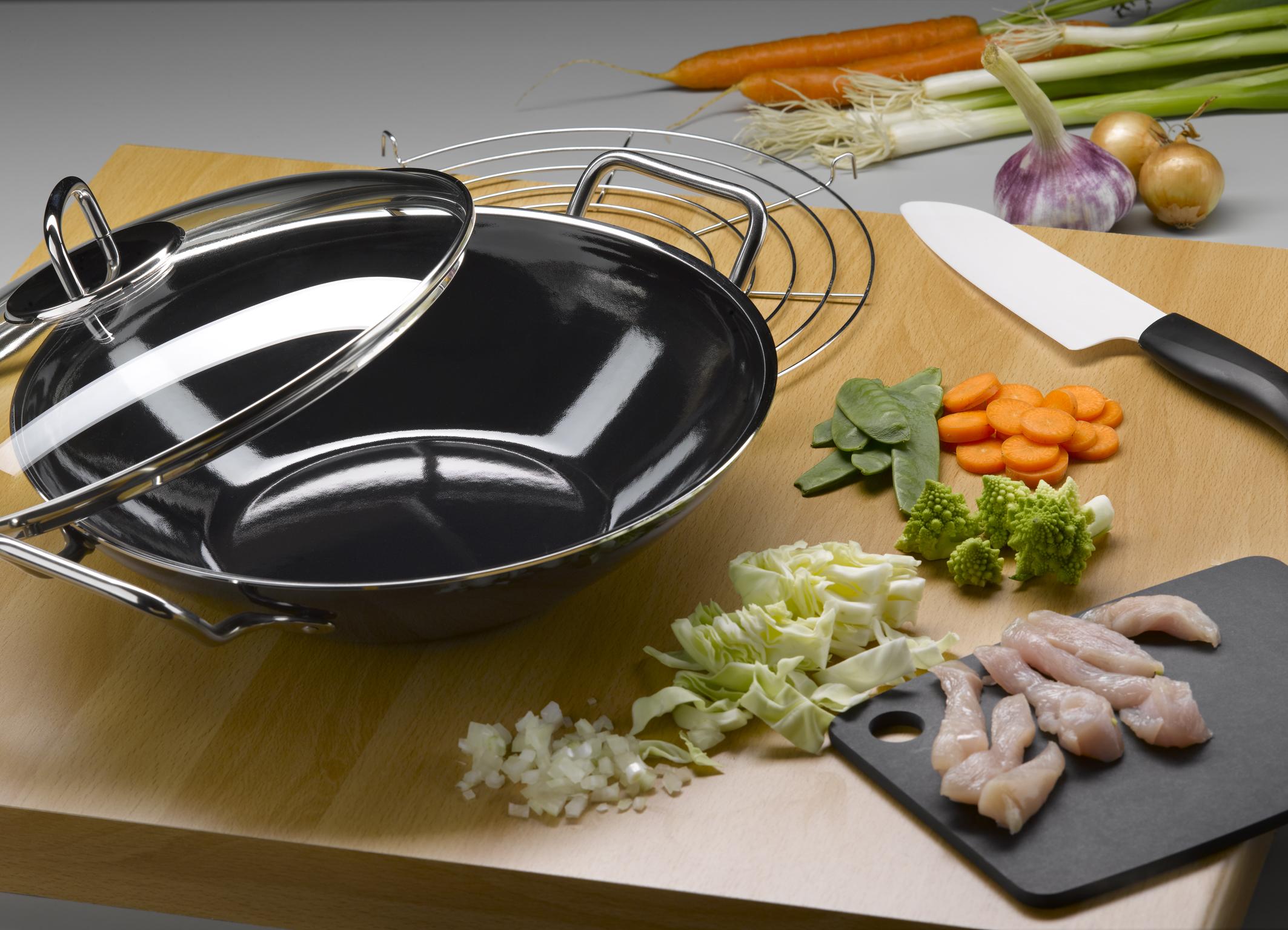 woks und wok zubeh r kaufen bei kochen essen wohnen. Black Bedroom Furniture Sets. Home Design Ideas