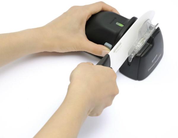 Kyocera Elektrischer Messerschaerfer