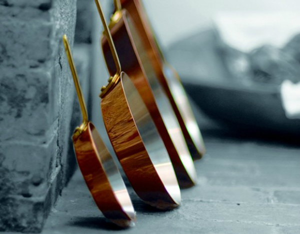 Neben Eisen und Gusseisen eignet sich auch Kupfer als Material für Pfannen zum scharfen Anbraten