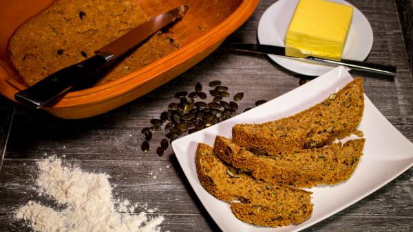 Der Römertopf eignet sich auch zum Brotbacken