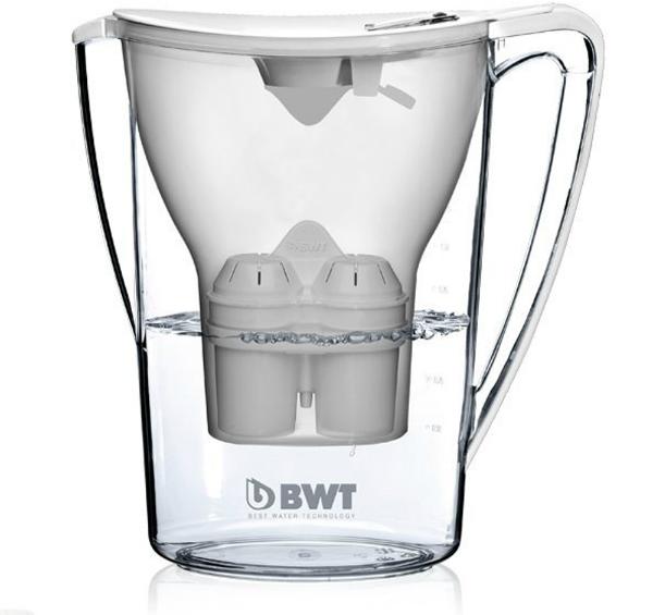 Wasserfilter von BWT Filterkanne mit drei Kartuschen