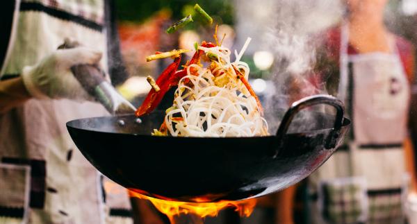Mit dem Wok kann man sehr vielseitig kochen