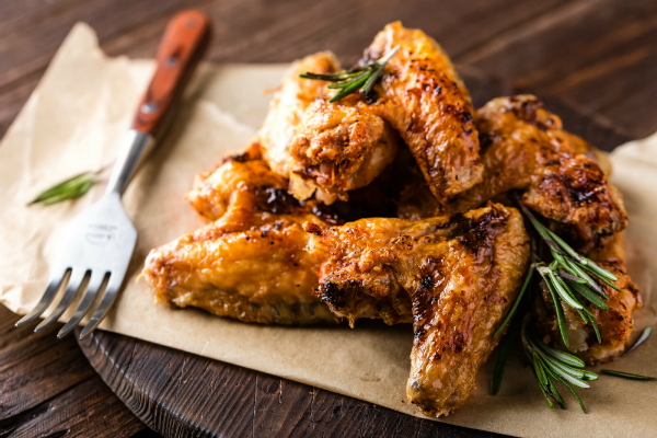Leckere Chicken Wings sind ein Klassiker vom Grill
