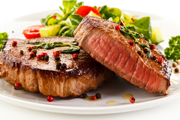 Fleisch und Salat