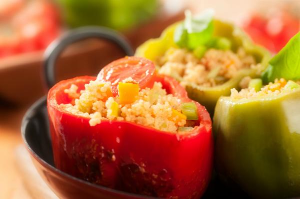 Gefüllte Paprika vom Grill - egal ob mit Fleisch oder vegetarisch - sind der Hit!