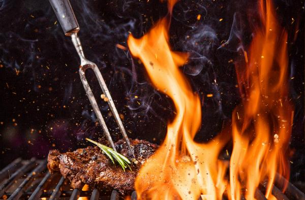 Gegrilltes Fleisch ist wohl das beste Beispiel für die Maillard Reaktion