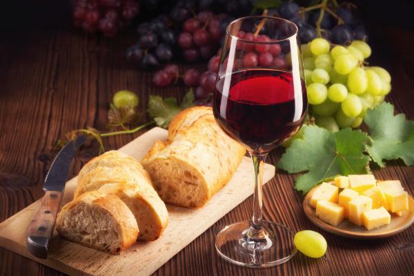 Ein passender Wein rundet das Menü ab
