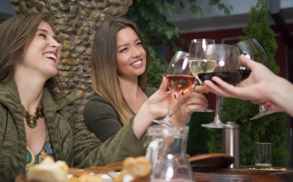 Eine Weinprobe ist ideal zum entdecken neuer Weinsorten