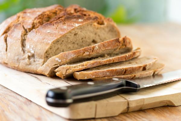 Ein gutes Brotmesser ist zum idealen Schneiden ein Muss!