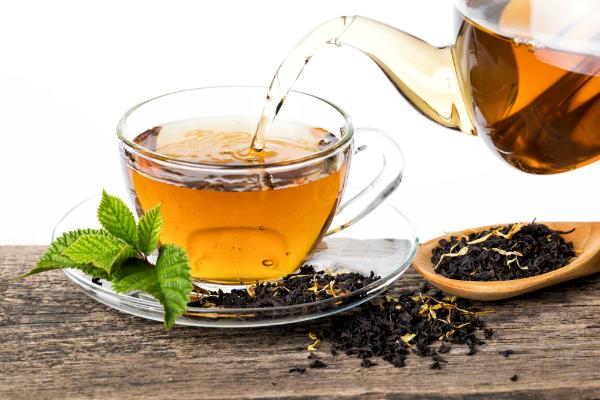 Frisch aufgegossener Tee