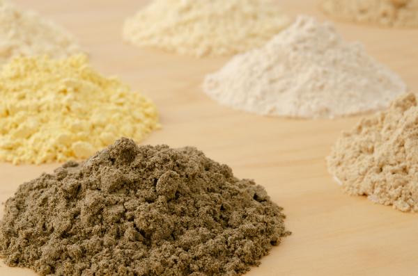 Verschiedene Alternativen zu Mehl